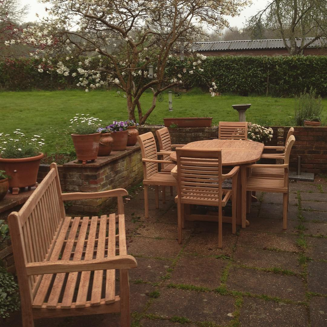 Villa & Hut Teak Garden Furniture